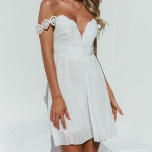 Dresses & Skirts - White lace off the shoulder pleated dress